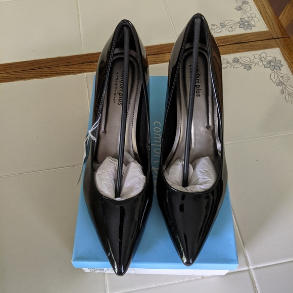 Janine heels by comfort plus by predictions